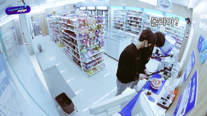 Em trai BLACKPINK hé lộ trụ sở mới siêu sang của YG: Căng tin, phòng tập khổng lồ chưa sốc bằng hành lang đủ lớn để quay MV!-25