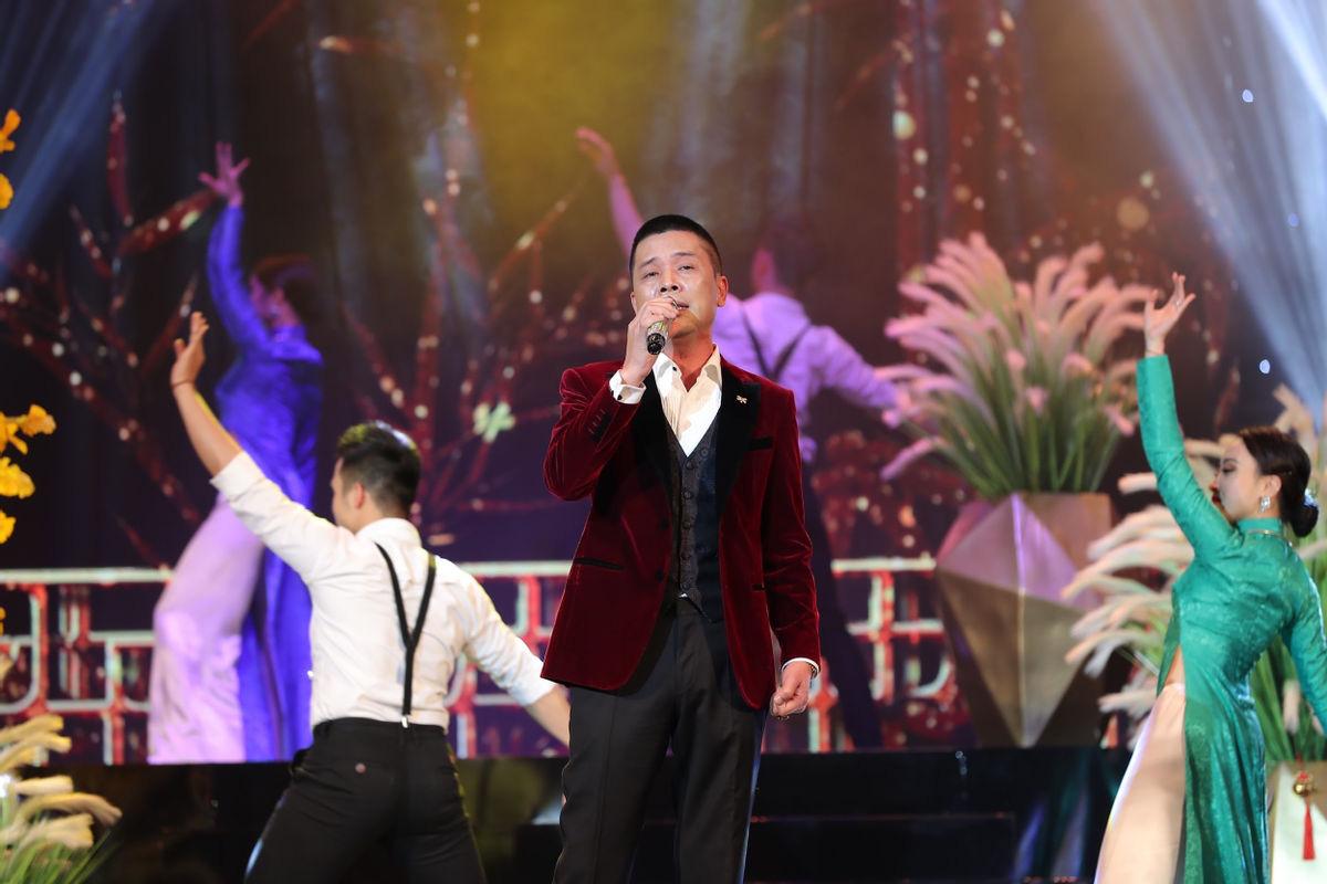 Thanh Thanh Hiền nâng đỡ ca sĩ U50-1