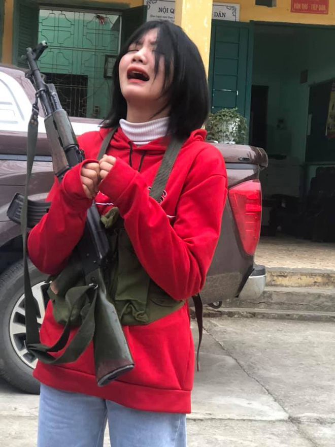 Nữ sinh bật khóc khi phải học Quốc phòng, nghe lý do mà ai cũng phì cười đồng cảm quá-1