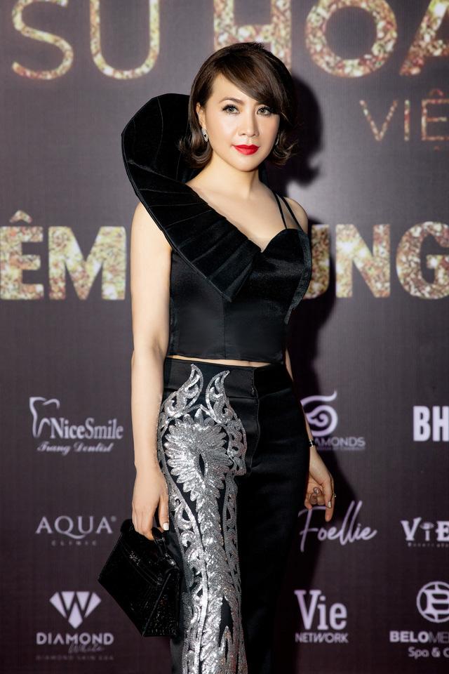 Nhà thiết kế tiết lộ chiếc váy tặng Hương Giang mất hơn 2 tháng để hoàn thành-5