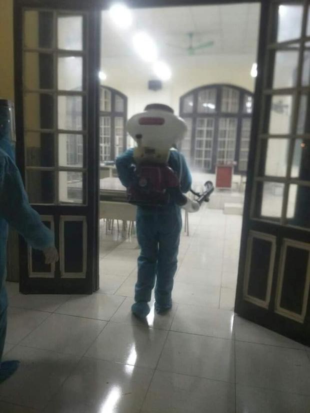 3 học sinh thuộc diện F1 và F2, trường cấp 3  Phan Đình Phùng  Hà Nội cho học sinh nghỉ học từ ngày 29/1-5