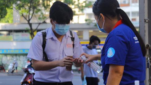 KHẨN: TP.HCM chính thức cho học sinh nghỉ học và công bố lịch nghỉ Tết