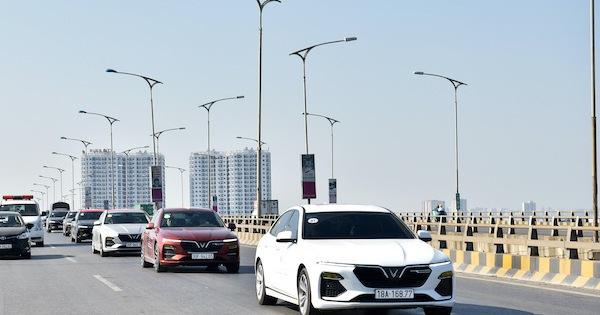 Vì sao các mẫu xe điện tự hành của VinFast trở thành tâm điểm của giới bình xe quốc tế?