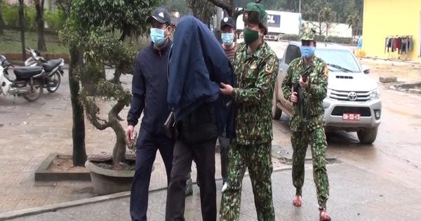 Bắt đối tượng người Lào mang 10.000 viên ma tuý vào Việt Nam