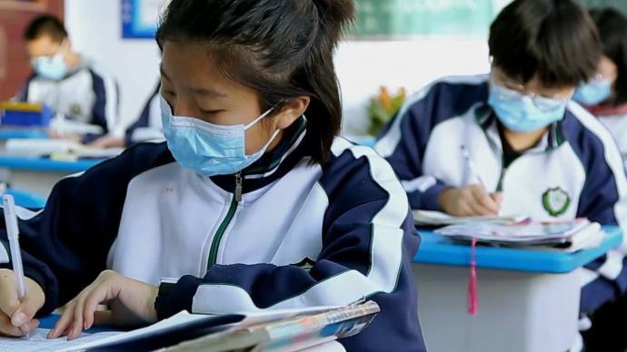Cuộc sống của học sinh Trung Quốc khi cách ly tại trường