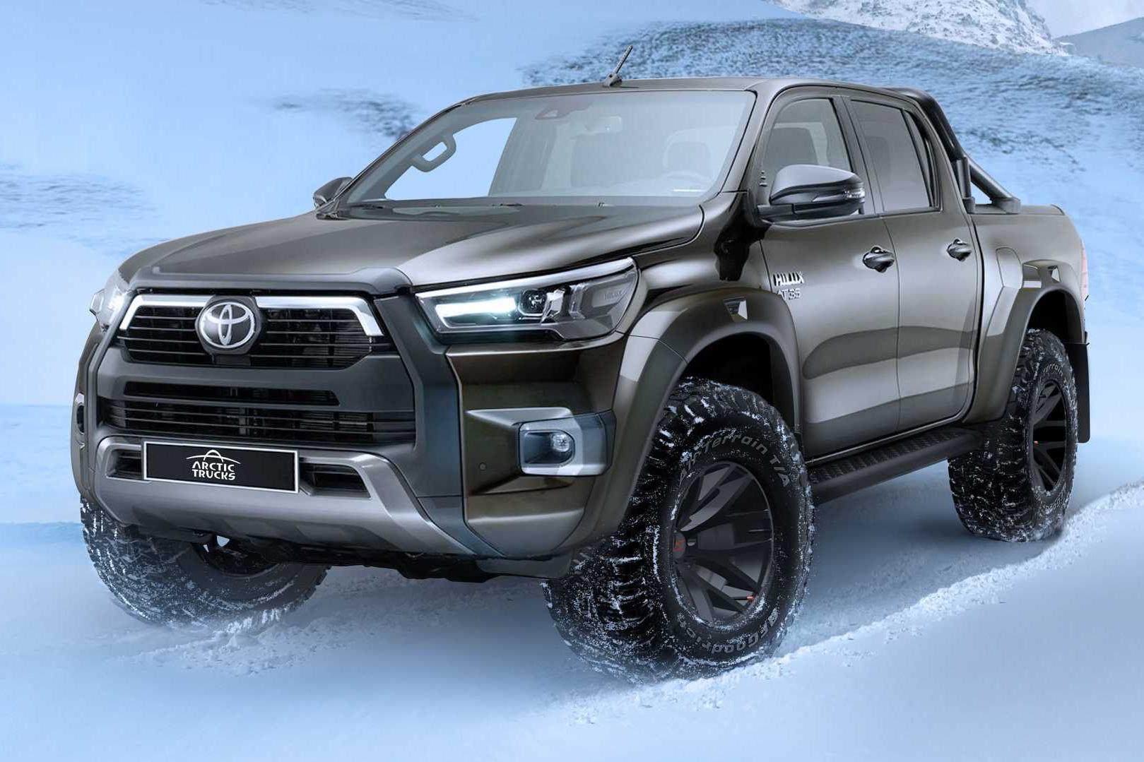 Toyota Hilux có thêm bản giới hạn: Sẵn sàng đấu Ford Ranger Raptor bằng nhiều đồ hiệu xịn xò