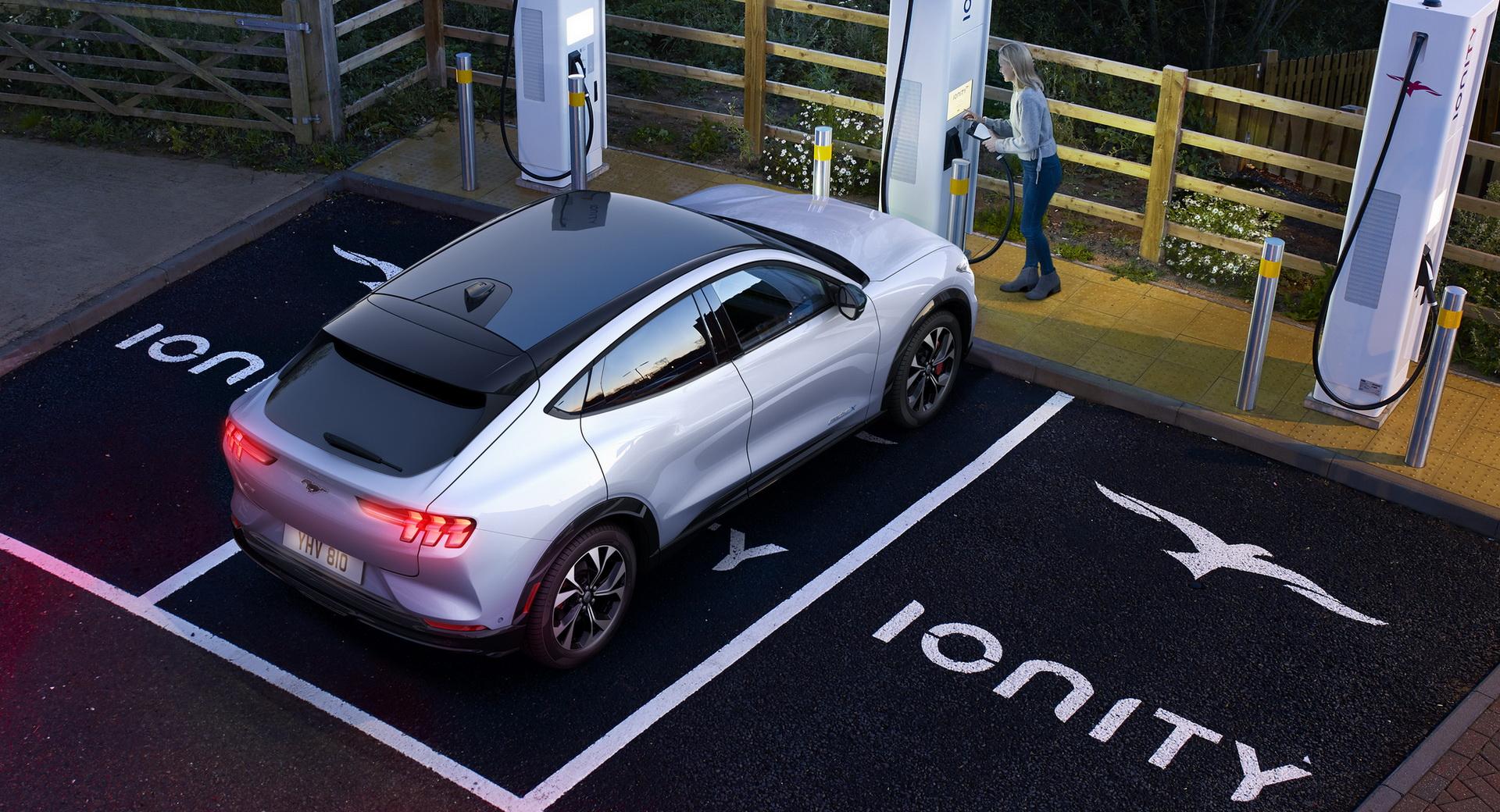 Ford sẽ trở thành thương hiệu xe điện hoàn toàn vào năm 2030