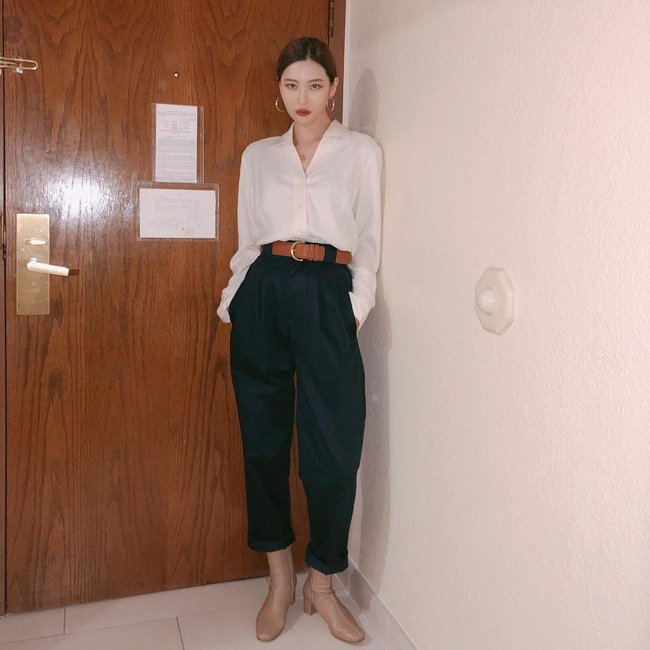 Học 12 cách diện đồ đen - trắng của sao Hàn để ngay cả lúc lười nhất, chị em vẫn mặc đẹp và sang hết cỡ-10