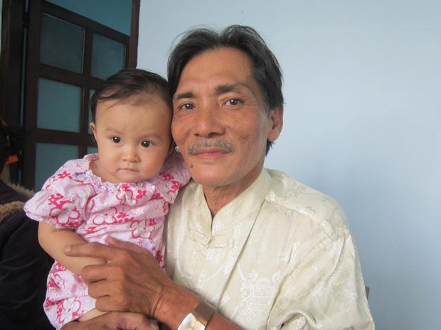 Nhân viên y tế cập nhật về tình trạng nguy kịch của diễn viên Thương Tín, bệnh viện tuyên bố hỗ trợ viện phí cho nam NS-4