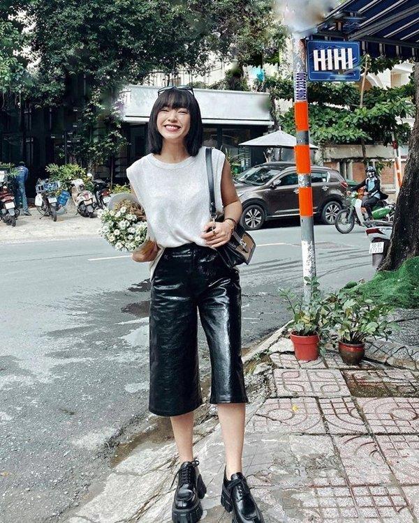 Học sao Việt diện đồ đen trắng vừa đơn giản lại trendy-4