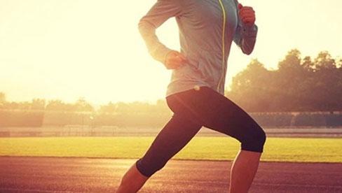 Đi bộ là cách tốt nhất để kéo dài tuổi thọ nhưng sẽ hiệu quả gấp bội nếu bạn thực hiện kèm những việc nhỏ nhặt này