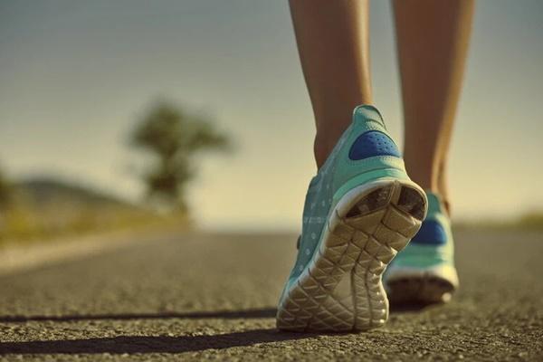 Đi bộ là cách tốt nhất để kéo dài tuổi thọ nhưng sẽ hiệu quả gấp bội nếu bạn thực hiện kèm những việc nhỏ nhặt này-2