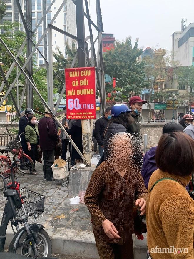 Người dân Hà Nội xếp hàng mua gà giải cứu 60k/kg, thị trường online thêm tấp nập với cam Hà Giang 7k/kg-5