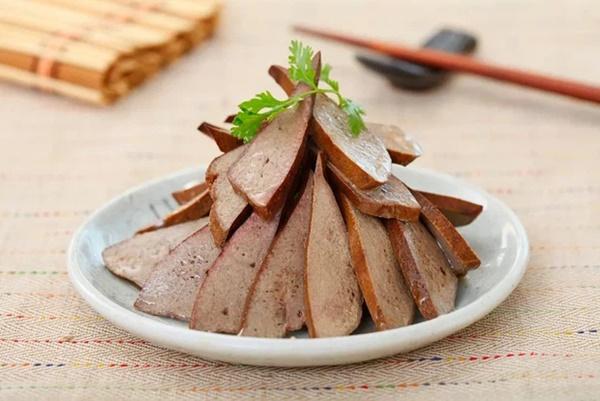 4 loại thực phẩm có thể ngấm ngầm làm tắc nghẽn mạch máu, nên dọn chúng khỏi bàn ăn càng sớm càng tốt-1
