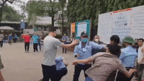 Bảo vệ bệnh viện hỗn chiến với người nhà bệnh nhân