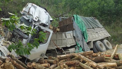 """Vụ tai nạn khiến 7 người tử vong: """"Tôi thoát chết nhưng mẹ lại bỏ mạng ở đó, đau lòng lắm"""""""