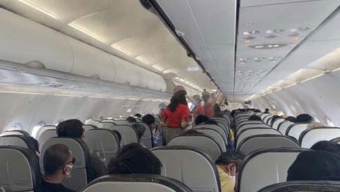 Bộ Y tế phát thông báo khẩn số 34 trong đêm: Tìm người trên chuyến bay từ Phú Quốc về Hà Nội