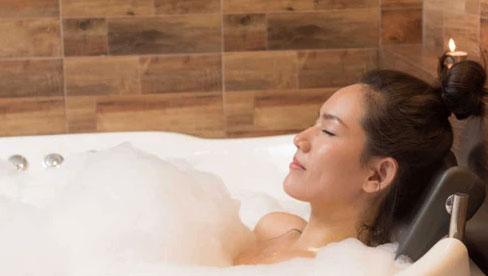 Những thói quen bạn nên thực hiện trước khi đặt lưng xuống giường để ngủ liền một mạch đến sáng