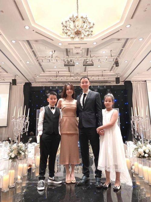 Hoa hậu Hoàn vũ Việt Nam đầu tiên, lấy chồng tiến sĩ giờ ra sao?-4