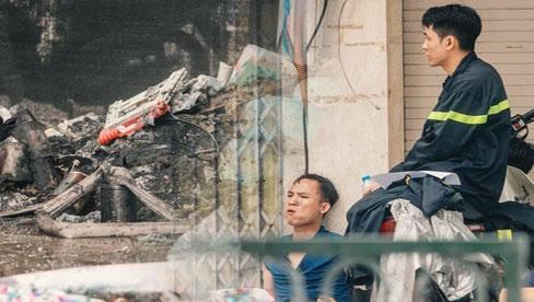 Lời kể đau xót của các chiến sĩ chữa cháy dùng tay đào bới, tìm kiếm 4 thi thể trong đống đổ nát: