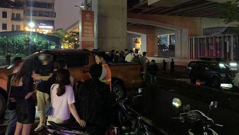 Hà Nội: Án mạng trong đêm, nam thanh niên nghi dùng gạch tấn công khiến nữ công nhân môi trường tử vong tại chỗ