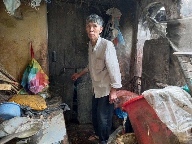 Cận cảnh căn nhà cấp bốn bị rác bủa vây của nữ lao công bị sát hại thương tâm-2