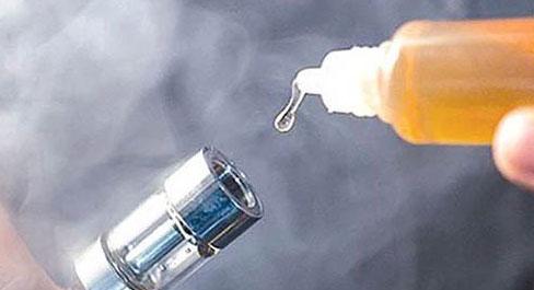 Một nam sinh hôn mê vì nuốt phải tinh dầu thuốc lá điện tử