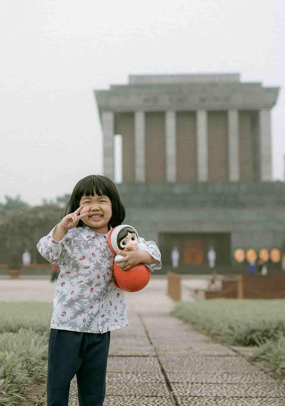 Bộ ảnh Em bé Hà Nội siêu đáng yêu và câu chuyện ý nghĩa phía sau-1