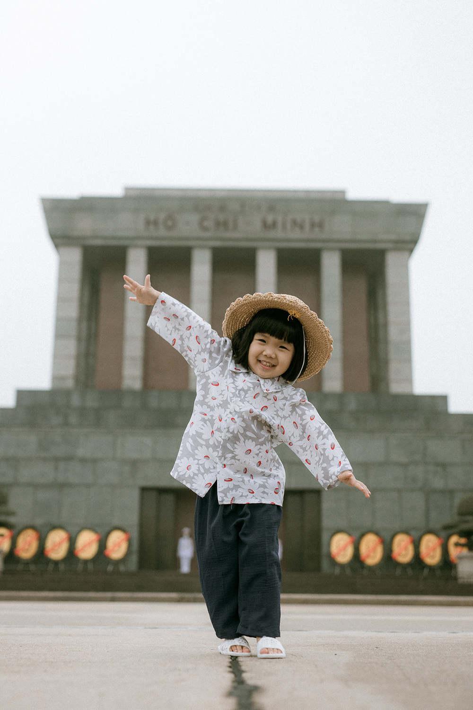 Bộ ảnh Em bé Hà Nội siêu đáng yêu và câu chuyện ý nghĩa phía sau-3