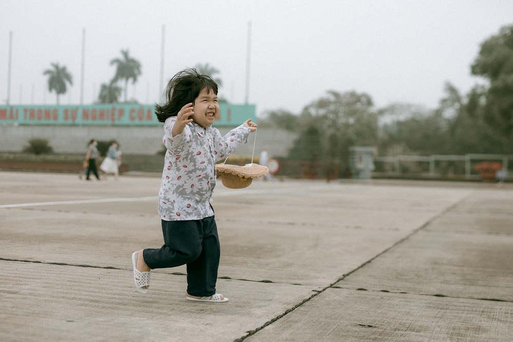 Bộ ảnh Em bé Hà Nội siêu đáng yêu và câu chuyện ý nghĩa phía sau-6