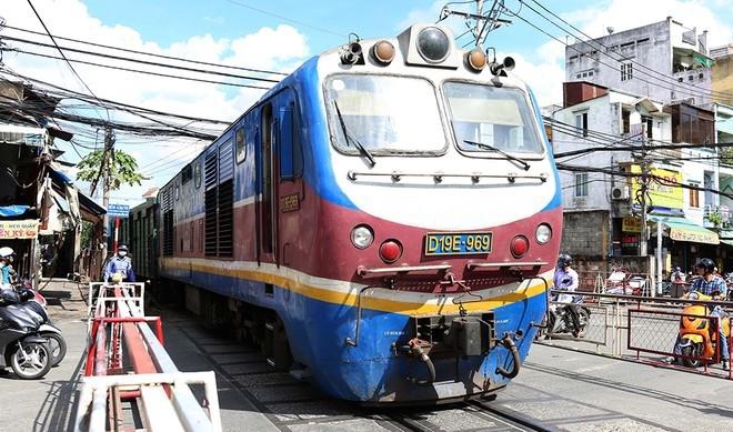 Đường sắt Việt Nam nguy cơ phá sản vì bị 'đẩy đến bước đường cùng'-1