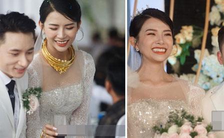Đám cưới Phan Mạnh Quỳnh tại Nghệ An: Cô dâu đeo vàng siêu nhiều và tình tứ bên chú rể gây sốt, tiệc cưới khủng