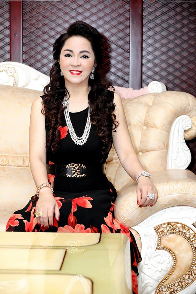 Nhan sắc nữ đại gia đáp trả Trang Trần em có chửi chị 1000 lần chị vẫn xinh đẹp, ở trong lòng công chúng-10