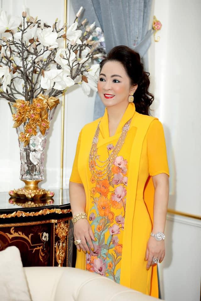 Nhan sắc nữ đại gia đáp trả Trang Trần em có chửi chị 1000 lần chị vẫn xinh đẹp, ở trong lòng công chúng-1