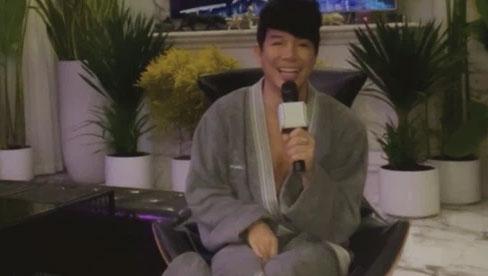 Nửa đêm Nathan Lee lại mặc độc áo choàng tắm livestream, tuyên bố nắm trong tay bằng chứng