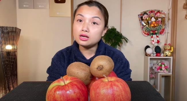 Quỳnh Trần JP nhiều lần bị chỉ trích vì dùng thực phẩm độc hại quay Youtube , nhưng gây tranh cãi hơn cả là cách cô xử lý khủng hoảng còn quá vụng về-2