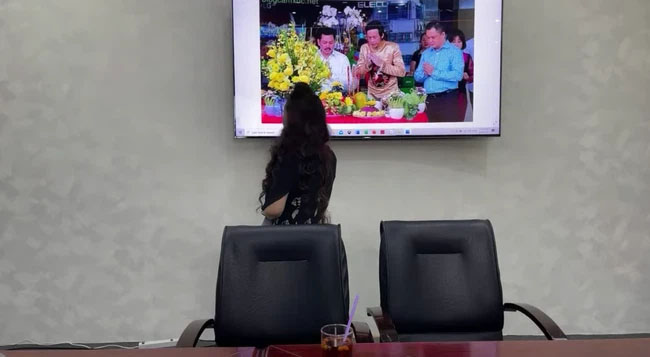 """Bà Phương Hằng trưa nay khẳng định lỡ đụng rồi thì chạm luôn"""" nghệ sĩ Hoài Linh vì có tư duy âm binh giống hệt ông Võ Hoàng Yên-2"""