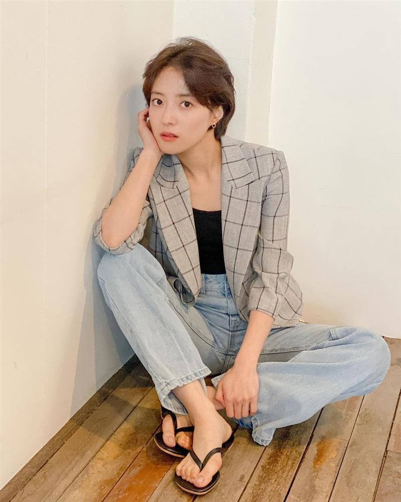5 kiểu tóc ngắn đẹp mãn nhãn của sao Hàn sẽ khiến chị em muốn xén tóc ngay trước thềm mùa hè-10