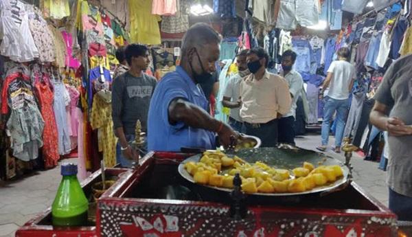 Lao động nghèo Ấn Độ: Từng suýt bán thận vì COVID-19, nếu thủ đô lại phong tỏa thì chỉ còn đường chết-2