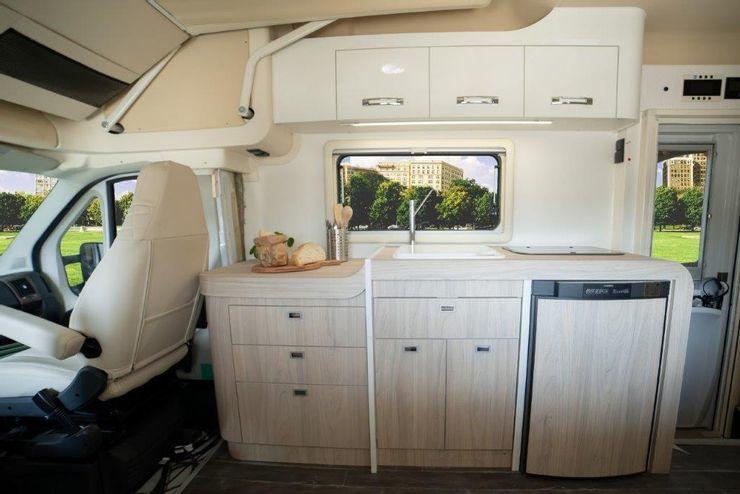 10 chiếc xe van cắm trại lý tưởng dành cho dã ngoại-12