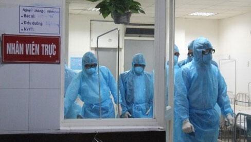 Lịch trình di chuyển phức tạp của ca dương tính SARS-CoV-2 tại Hà Nội: Đến bar 1900, quán cháo Huyền Anh, ăn phở 49 Bát Đàn, uống bia hơi Hải Xồm