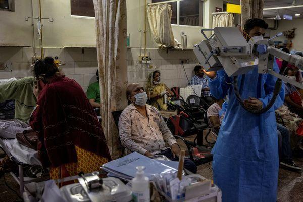 Ấn Độ chiếm gần nửa số ca nhiễm Covid-19 toàn cầu-1