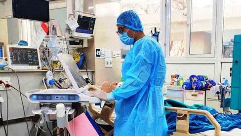 Một bệnh nhân COVID-19 đang trong tình trạng nguy kịch
