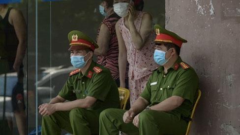 HỎA TỐC: Hà Nội yêu cầu không tập trung quá 10 người nơi công cộng