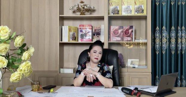 Mỉa mai bà Phương Hằng làm giàu bất chính, NSND Hồng Vân bị chính chủ livestream nói gay gắt, netizen ùa vào tấn công-5
