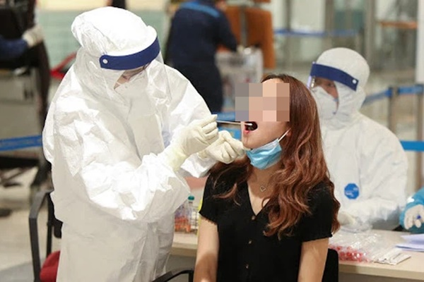 NÓNG: Hà Nội phát hiện 4 ca dương tính SARS-CoV-2, trong đó, 2 người từng âm tính 2 lần-1