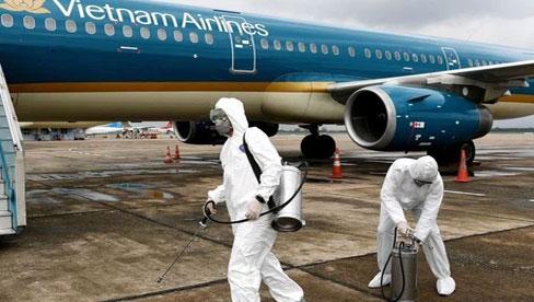 Khó khăn khi truy vết 69 hành khách trên chuyến bay VN1559: Có người cúp máy, có người chửi luôn