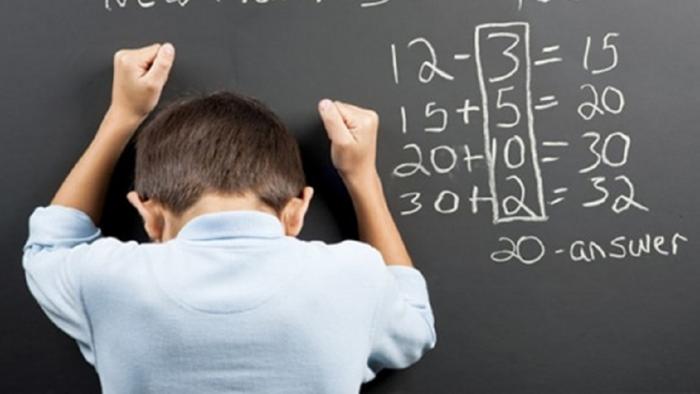 Bài toán tính tuổi của học sinh lớp 5 'hack não' người lớn, hóa ra cách giải lại dễ vô cùng