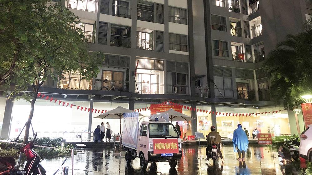 Hà Nội phong tỏa một tòa ở Times City do có cháu bé Ấn Độ dương tính SARS-CoV-2