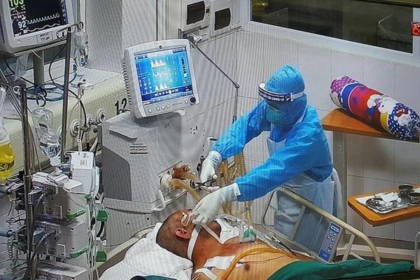 Bác sĩ trong tâm dịch Bắc Giang: Bệnh nhân nặng tăng nhanh và còn trẻ quá!-2